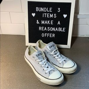 Women's size 7 converse all stars sneakers